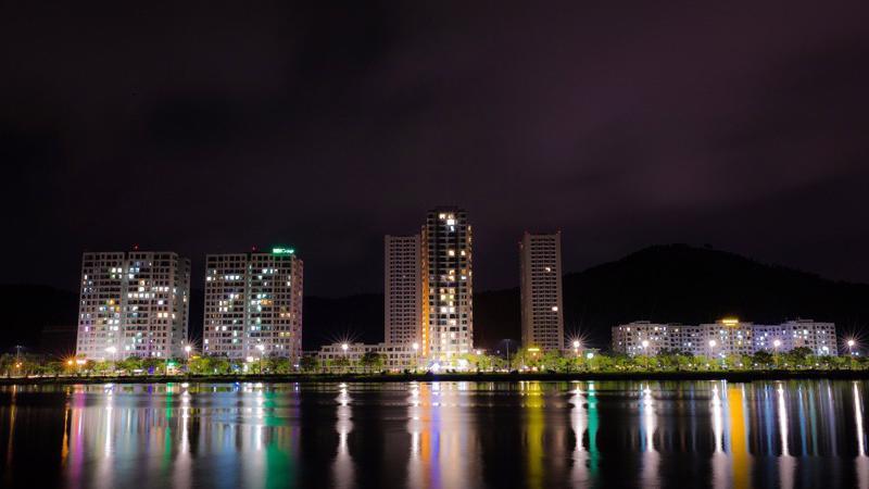 Halong Marina chính là một hình ảnh thu nhỏ của một thành phố ven biển, một biểu tượng mới của cuộc sống cho cả vùng Hạ Long, Quảng Ninh và khu vực phía Bắc