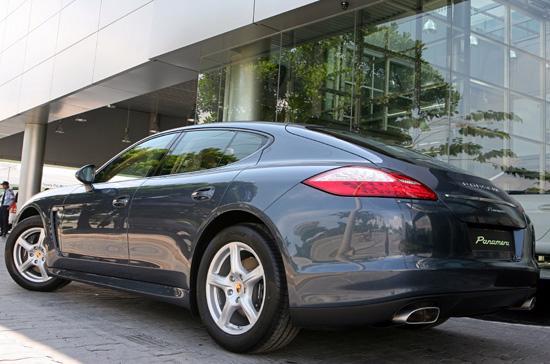 """Panamera V6, thành viên mới của """"gia đình"""" Porsche Việt Nam."""