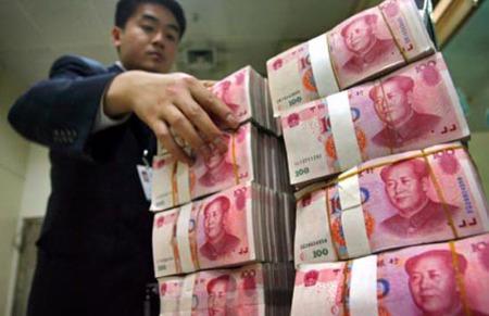 Trong khi tốc độ tăng trưởng thương mại hai chiều với Trung Quốc đều tăng mạnh trong năm 2011, Việt Nam vẫn là nước nhập siêu tới 12 tỷ USD.