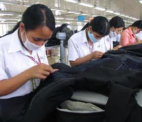 Lao động Việt Nam trước khi xuất khẩu cần được trang bị những kiến thức cần thiết.