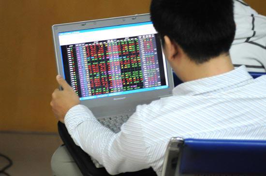 Các sản phẩm repo, ký quỹ và các quy định về giao dịch, kỳ thanh toán T+... đang là mối quan tâm của nhà đầu tư với những ý kiến khác nhau - Ảnh: Quang Liên.