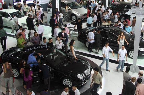 Thị trường ôtô trong nước năm 2009 tăng trưởng mạnh một phần quan trọng nhờ chính sách ưu đãi của Chính phủ - Ảnh: Đức Thọ.