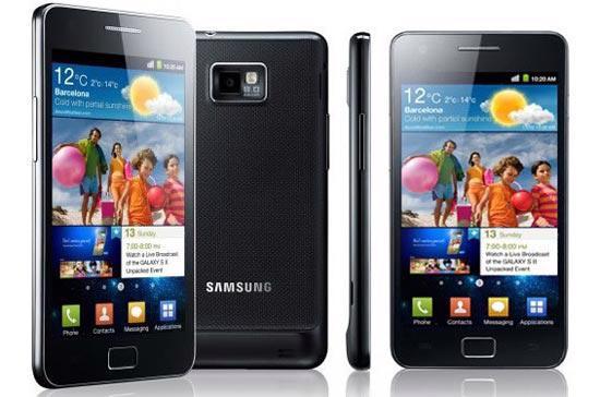 Samsung Galaxy S II được xem là một đối thủ đáng gờm của Apple iPhone 4.