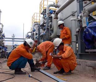 Hiện nay Việt Nam đang rất thiếu công nhân kỹ thuật ở các khu công nghiệp, khu chế xuất.