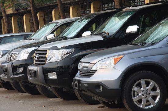 """""""Cửa"""" đối với các doanh nghiệp kinh doanh ôtô du lịch nhập khẩu không chính thức sắp khép lại - Ảnh: Đức Thọ."""
