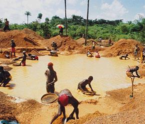 Một mỏ vàng tại châu Phi.