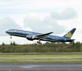 Năm 2006, Vietnam Airlines đạt doanh thu hơn 17.500 tỷ đồng, tăng 12,5% so với năm 2005.