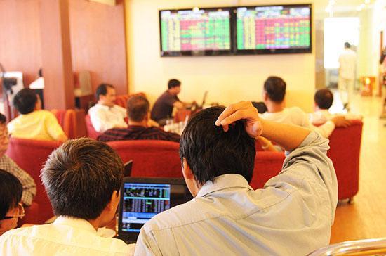 Nhà đầu tư rất kỳ vọng mặt bằng lãi suất sẽ giảm hơn nữa