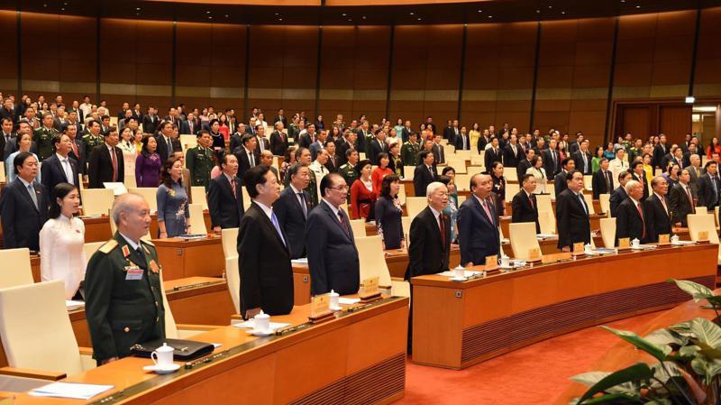 Tống bí thư, Chủ tịch nước Nguyễn Phú Trọng và các vị đại biểu trong lế chào cờ - Ảnh: Quang Phúc