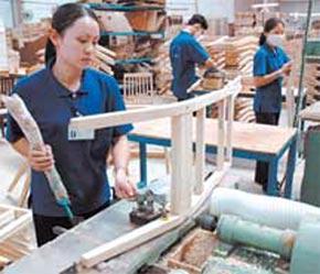 Bốn tháng đầu năm 2007, tốc độ tăng trưởng của ngành gỗ chỉ dừng ở con số khiêm tốn: 21,8% so cùng kỳ.