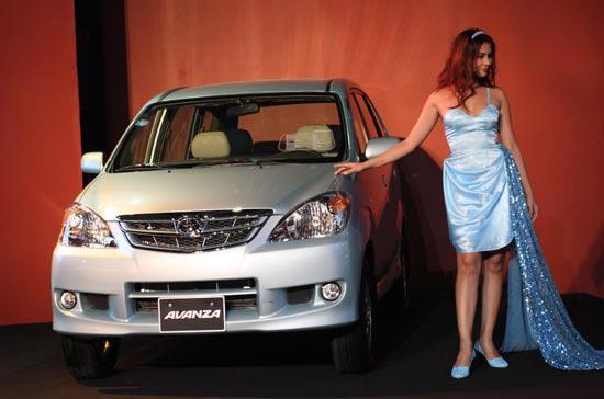 Mẫu xe Avanza tạm nhập từ Indonesia đáp ứng được cáp tiêu chuẩn về xe chiếc lược do Bộ Công Thương đề xuất đã được Toyota Việt Nam trưng bày tại Vietnam Motor Show 2009 - Ảnh: Đức Thọ.