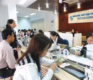 Eximbank đã giải ngân được 2.000 tỉ đồng theo hình thức tín dụng cho vay tiền đồng đối với lãi suất ngoại tệ trong chưa đầy hai tháng - Ảnh: Lê Toàn.