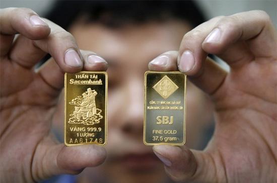 Theo giới kinh doanh vàng, để giao dịch cải thiện, giá vàng cần có sự biến động mạnh hơn, thay vì ổn định quanh vùng 26,50 triệu đồng/lượng như từ trước Tết tới nay - Ảnh: Reuters.