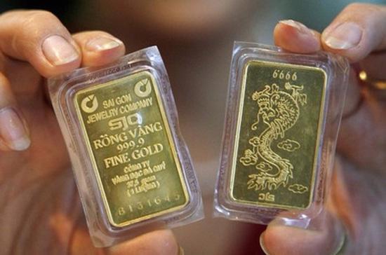 Tính tới cuối giờ chiều nay, giá vàng trong nước đã tăng khoảng 600.000 đồng/lượng trong vòng 24h - Ảnh: Reuters.