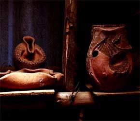 Một số sản phẩm gốm mỹ nghệ Phù Lãng của Công ty Leonis.