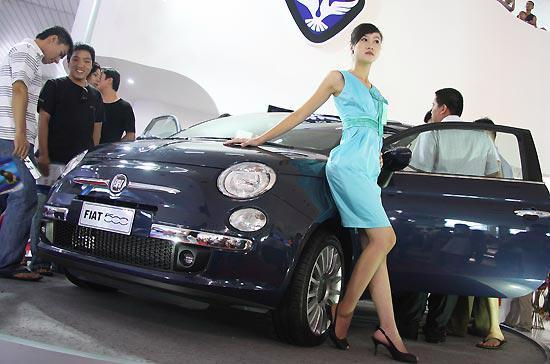 Việc áp dụng giảm thuế giá trị gia tăng và phí trước bạ đã góp phần giúp thị trường ôtô trong nước hồi phục mạnh mẽ trong các tháng vừa qua - Ảnh: Đức Thọ.