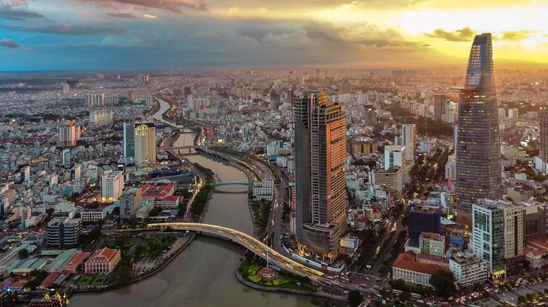Kinh tế Việt Nam tăng trưởng nhanh từ 0,4% trong quý 2/2020 lên 2,6% trong quý 3 - Ảnh: Shutterstock