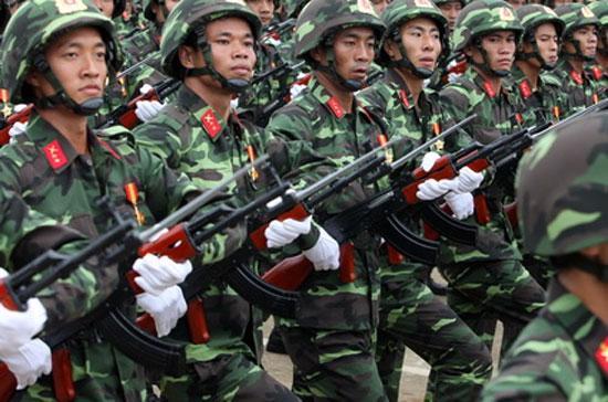 Các chiến sĩ bộ binh trong cuộc tổng duyệt diễu binh trước đại lễ 1.000 năm Thăng Long - Hà Nội, tháng 10/2010.