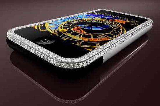 Cũng là iPhone, nhưng các nhà thiết kế đã phủ đầy quanh nó những viên kim cương và vàng trắng.