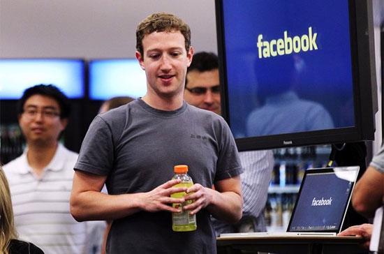 CEO của Facebook, Mark Zuckerberg. Mạng xã hội này hiện đã có tới 800 triệu thành viên trên toàn cầu - Ảnh: Reuters.