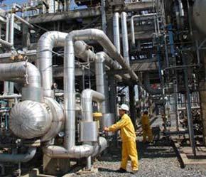 Cổ phiếu ngành dầu khí đang thu hút sự quan tâm của đông đảo nhà đầu tư - Ảnh: TT.