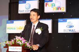 Ông Nguyễn Mạnh Hùng, Giám đốc Trung tâm Dịch vụ giá trị gia tăng của MobiFone.