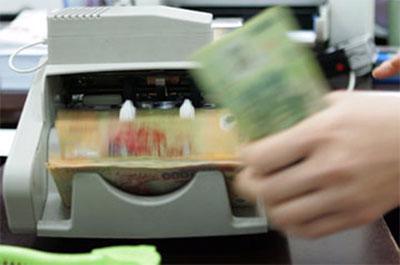 Standard Chartered hoan nghênh việc Việt Nam tăng tỷ giá USD/VND bình quân liên ngân hàng.