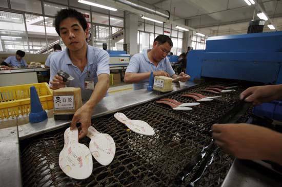 Nguồn lao động giá rẻ của Trung Quốc đang giảm dần - Ảnh: Reuters.