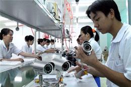 Lắp ráp xe gắn máy tại nhà máy của Công ty Honda Việt Nam - Ảnh: Quốc Hùng.