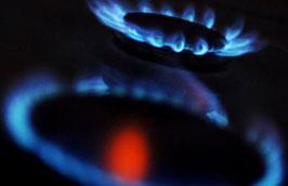 """Giá gas trên thế giới giảm mạnh đã """"kéo"""" giá gas trong nước đi xuống."""