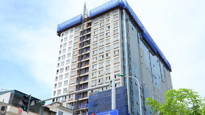 Dự án 8B Lê Trực vi phạm cả về chiều cao và diện tích sàn, được uỷ ban nhân dân thành phố Hà Nội đánh giá là vụ việc phức tạp, vi phạm pháp luật về xây dựng nghiêm trọng.