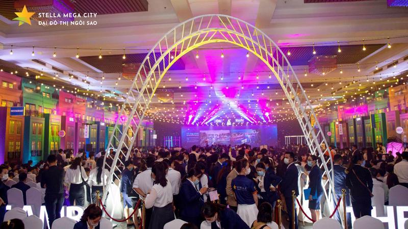 Hơn 1.300 khách hàng đến tham dự sự kiện giới thiệu phân khu The Ambi thuộc Đại đô thị Stella Mega City.