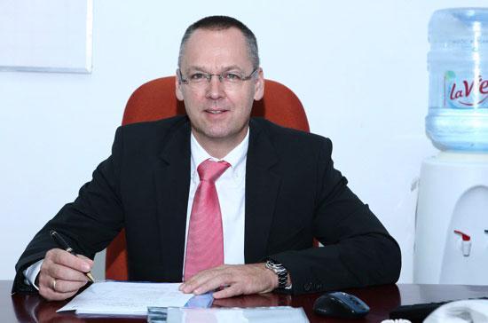 Ông Riehle Matthias Wolfram - Tổng giám đốc Công ty La Vie Việt Nam.