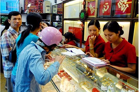 Thị trường vàng đang lo ngại khả năng siết chặt hoạt động huy động và cho vay vàng