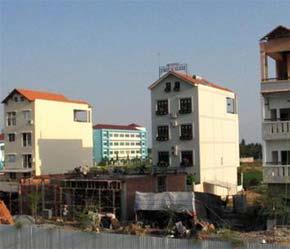 Nhiều công trình đang mọc lên tại khu dân cư mới Tân Phong dọc đại lộ Nguyễn Văn Linh, quận 7, Tp.HCM.