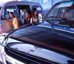 Một thực tế được thừa nhận từ lâu tại thị trường ôtô Việt Nam là giá bán luôn có vai trò tiên quyết đối với mỗi quyết định mua xe của người tiêu dùng.