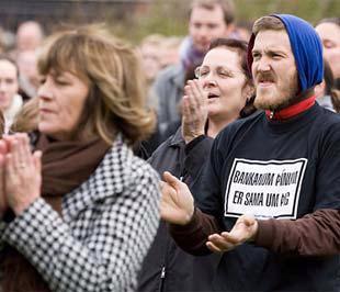 Người dân Iceland phản đối cách đối phó khủng hoảng của Chính phủ nước này - Ảnh: AP.