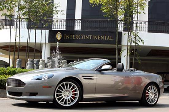 Aston Martin DB9 cũng nằm trong danh sách bị triệu hồi - Ảnh: Bobi.