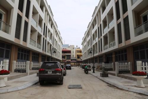 Những căn hộ Goldsilk đều đã xong phần thô và đang được hoàn thiện cơ  bản các hạng mục bên trong và cảnh quan, đợt đầu tiên dự kiến bàn giao  sớm ngay trong tháng 5 tới.