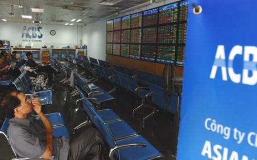 Quý 4, ACBS đứng thứ 3 với 7,76% thị phần môi giới cổ phiếu trên HOSE.<br>