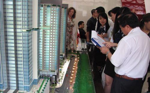 Hệ thống thông tin về nhà ở và thị trường bất động sản gồm: Cơ sở dữ  liệu về nhà ở và thị trường bất động sản; hạ tầng kỹ thuật công nghệ  thông tin về nhà ở và thị trường bất động sản; hệ thống phần mềm phục vụ  quản lý, vận hành, khai thác.