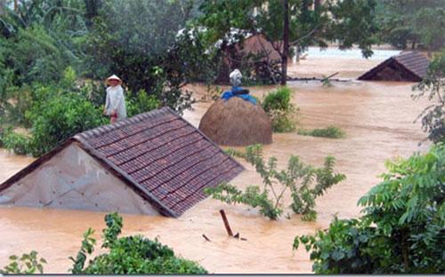 Quảng Bình là địa phương bị thiệt hại nặng nhất về tài sản sau các trận lũ với gần 204  nghìn ngôi nhà bị sập đổ, hư hỏng, trên 2 nghìn ha hoa màu bị mất trắng,  hơn 4 nghìn ha lúa, hoa màu bị ngập, hư hỏng.