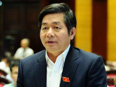 Bộ trưởng Bùi Quang Vinh được phân công thay mặt ba bộ trưởng trả lời câu hỏi của đại biểu Nguyễn Văn Phúc.<br>