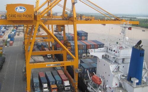 Bên cạnh khuyến khích xuất khẩu, nhà nước sẽ tạo hàng rào kỹ thuật đối với hàng hóa nhập khẩu, nhất là những mặt  hàng không khuyến khích nhập khẩu; bảo vệ hợp lý sản xuất trong  nước.