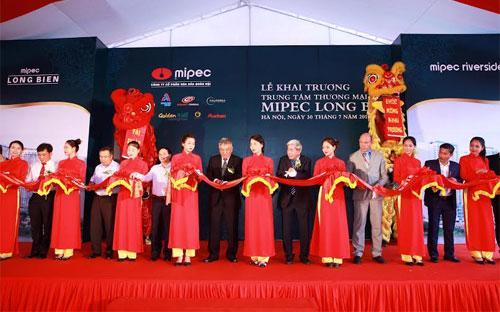 Lễ cắt băng khai  trương Trung tâm thương mại Mipec Long Biên<b>.<br></b>
