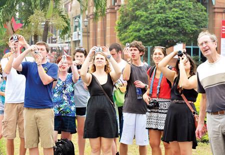 Việt Nam đang ngày một thu hút đông đảo du khách quốc tế.<br>