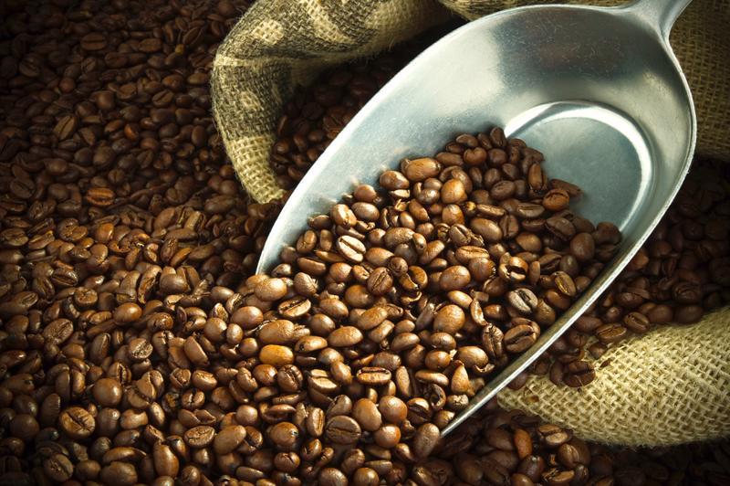 Cà phê là nhóm hàng có nông sản có kim ngạch xuất khẩu cao nhất trong  năm 2016 nhưng trong giai đoạn 2012-2016, đây lại là mặt hàng có nhiều  biến động nhất.