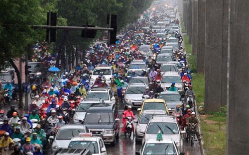 Đến thời điểm 15/9/2015, tổng số phương tiện cơ giới đường bộ đã đăng ký  trong cả nước là 46.065.091 xe - trong đó, ôtô là 2.579.675 xe, mô tô  là 43.485.416 xe.