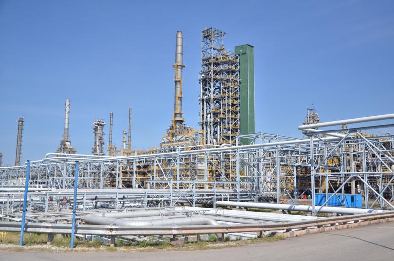 Kể từ khi chính thức vận hành thương mại vào ngày 1/6/2010 đến nay, BSR đã sản xuất và tiêu thụ hơn 47 triệu tấn sản phẩm các loại, đáp ứng trên 35% nhu cầu sản lượng xăng dầu trong nước và nộp ngân sách Nhà nước 7 tỷ USD.