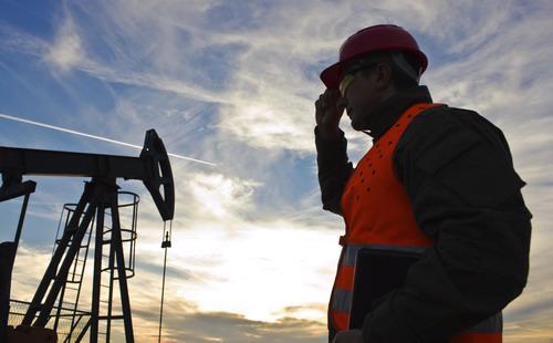 Sản lượng của OPEC trong tháng 4 có thể đã cao hơn nếu không có các sự cố gây gián đoạn nguồn cung dầu tại Kuwait, UAE, Venezuela và Nigeria - Ảnh: Bizmology.
